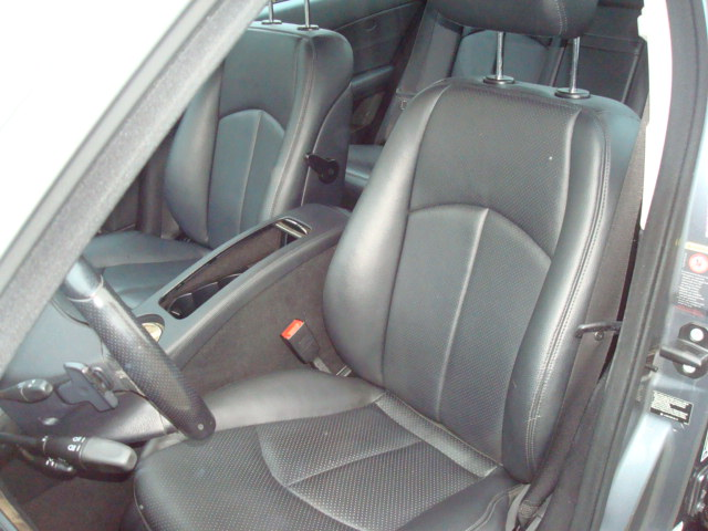 2009 Mercedes E-350 seat