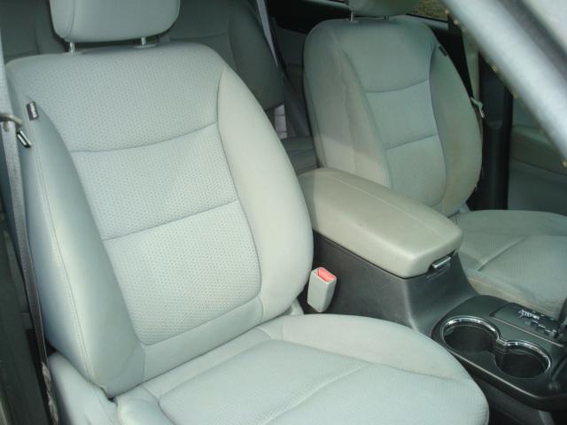 2011 Kia Sorento pass seat