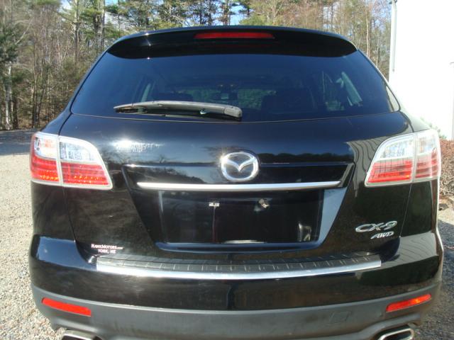 2011 Mazda CX9 tail