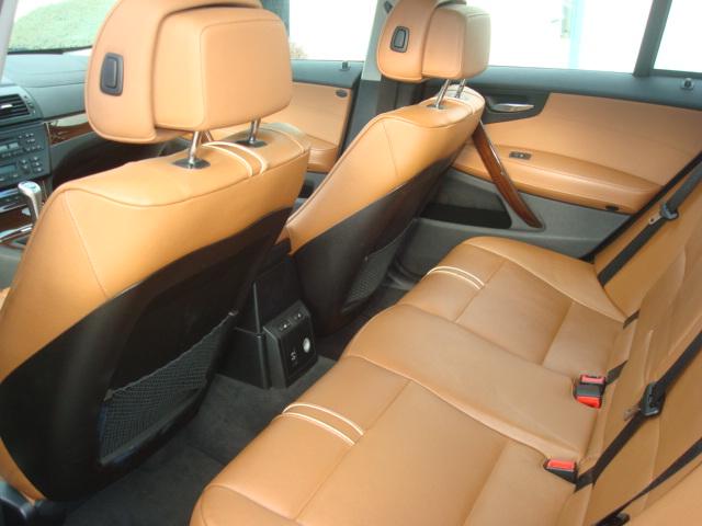 2010 BMW X3 rear seat 2