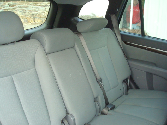 2012 Hyundai Santa Fe rear seats