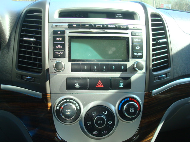 2010 Hyundai Santa Fe radio