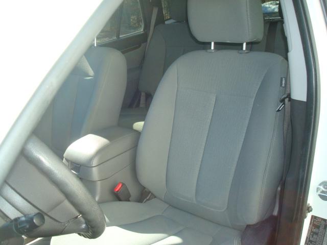 2010 Hyundai Santa Fe seat