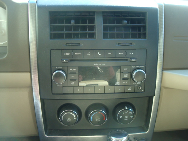 2011 Jeep radio