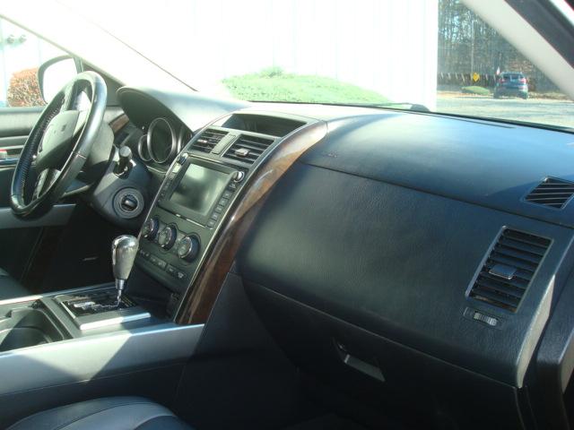 2011 Mazda CX9 dash
