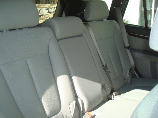2010 Hyundai Santa Fe rear seat