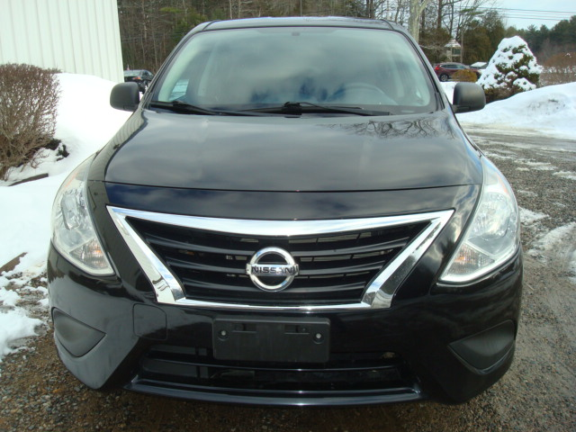 2015 Nissan Versa hood