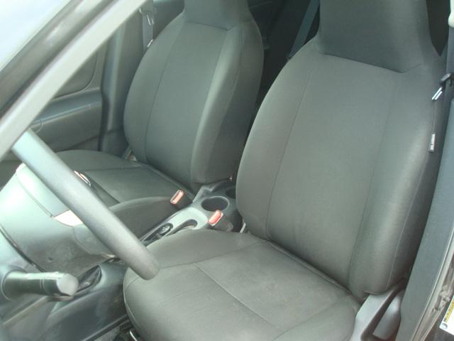 2015 Nissan Versa seat