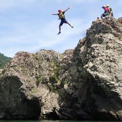 トラ岩ジャンプ2.JPG