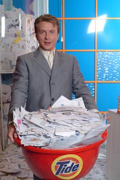 """Антін Мухарський під час зйомок у рекламі прального порошку """"Тайд"""""""