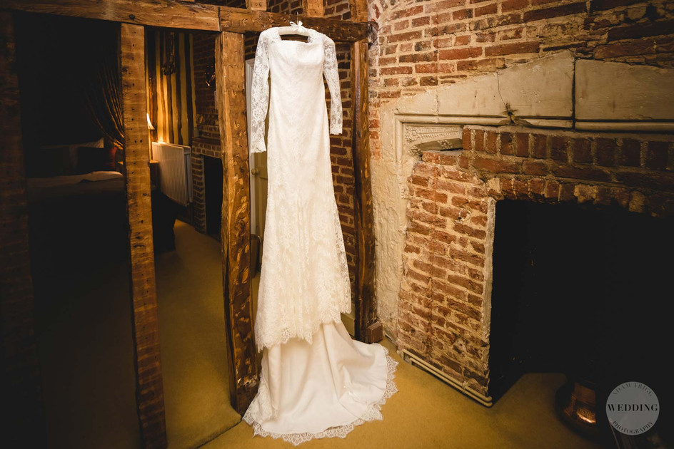 The Priory Barns   Wedding Photography in Little Wymondley Hertfordshire   Alice and Steve