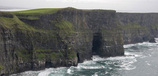 cliffs-of-moher-1569692_1920.jpg