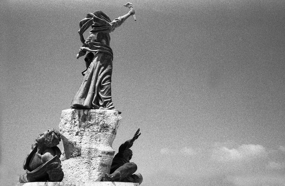 Martyr Square Beirut Lebanon 1996 [12].j