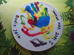 Kids art plates make wonderful gifts