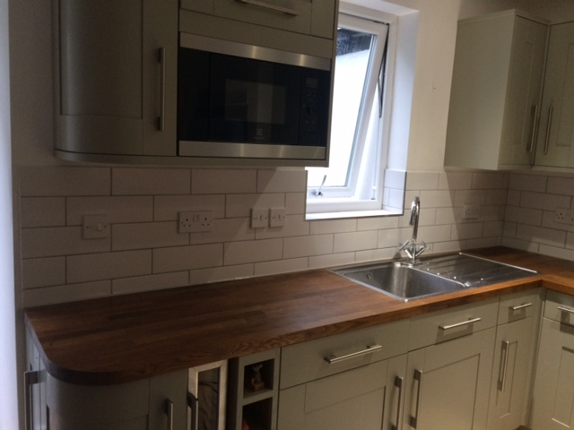 recommended tiler, tile backsplash