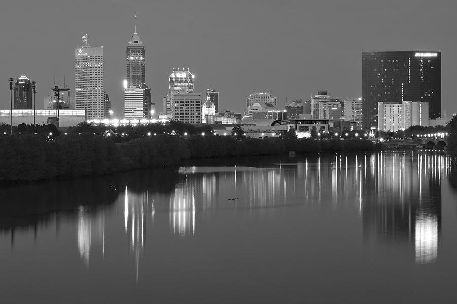 indianapolis-black-night-frozen-in-time-