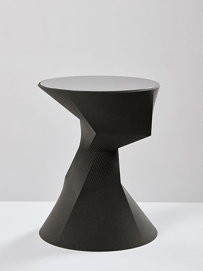 Pleat side table high sand in motion Rive Roshan black sand