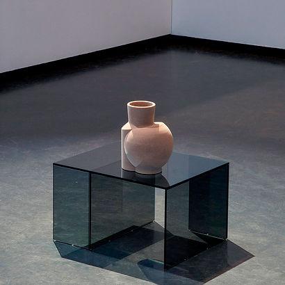 Layered Transaprency Vase beige Phenol Sand Glaßtisch