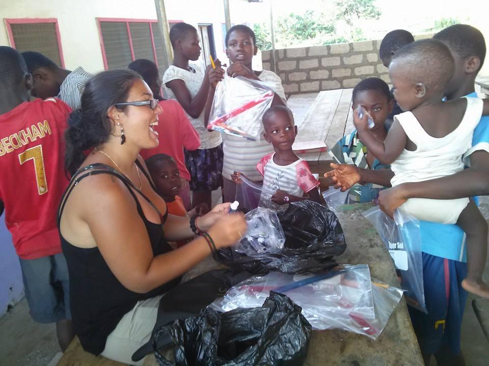 Donation à l'orphelina