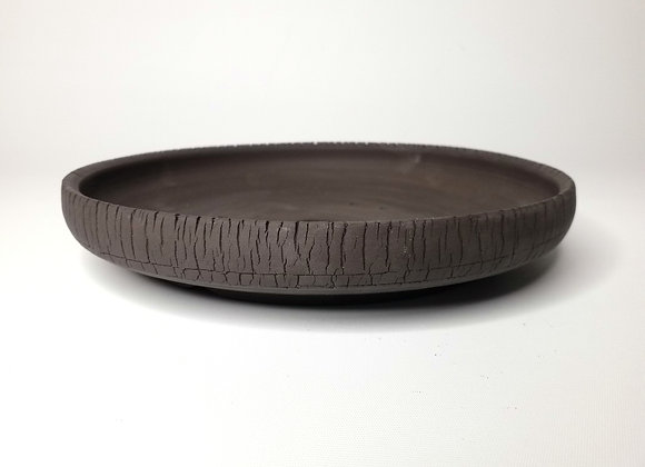 Round container #531, 24.8 x 4cm, (by Tracey Francis)