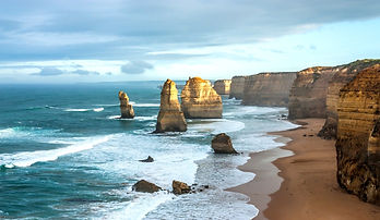 The_Twelve_Apostles_Stack_in_Victoria_Au