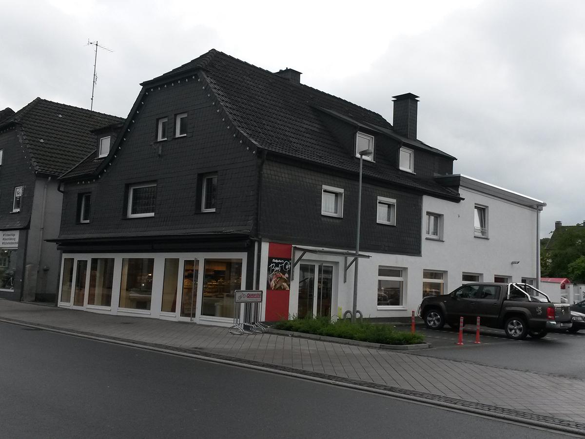 Fassadengestaltung Geschäftshaus
