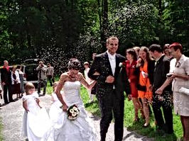 Zajistíme vám krásný svatební obřad i hostinu v hotelu vornost - Praha 9 Počernice.