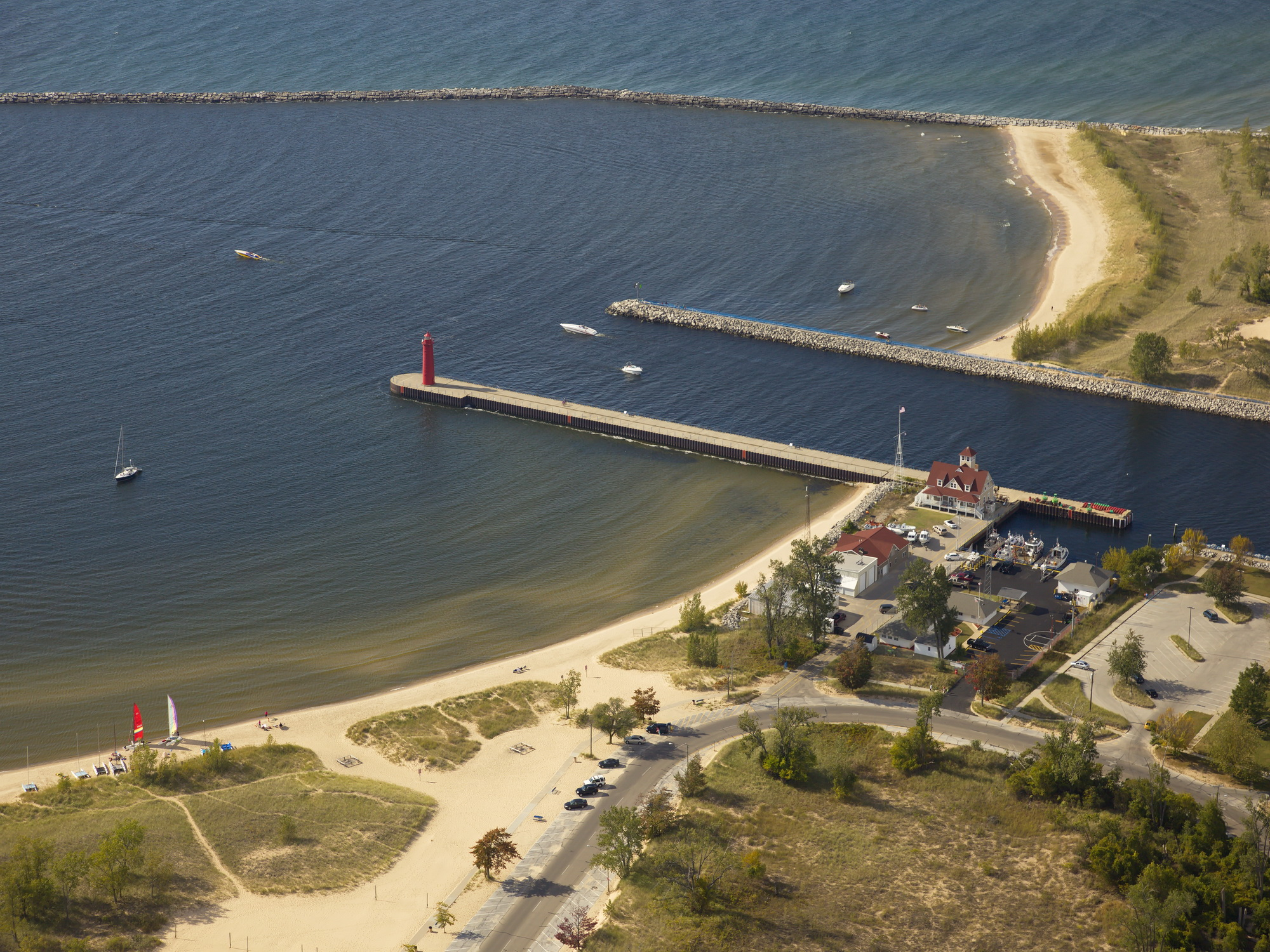 Muskegon Harbor Lighthouse