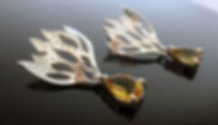 Brinco de prata com pedras naturais