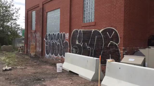 Graffiti Guru & Mike's Mobile Pressure W