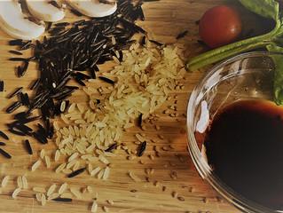 Saumon aux deux riz, sésame et pousses d'épinards