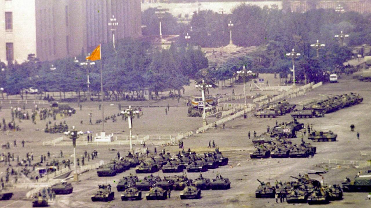 坦克大军开进天安门广场