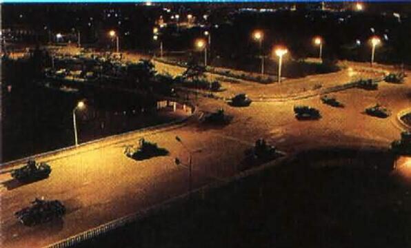 89年6月3日晚,天津警备区坦克第1师从河北三河县出发,向天安门广场开进