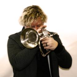 PL horn up close.jpg
