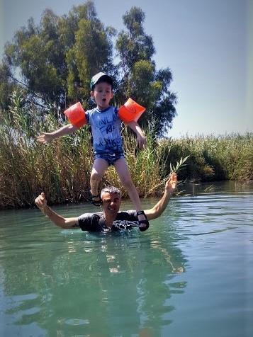 נחל הקיבוצים טיול מים עם ילדים