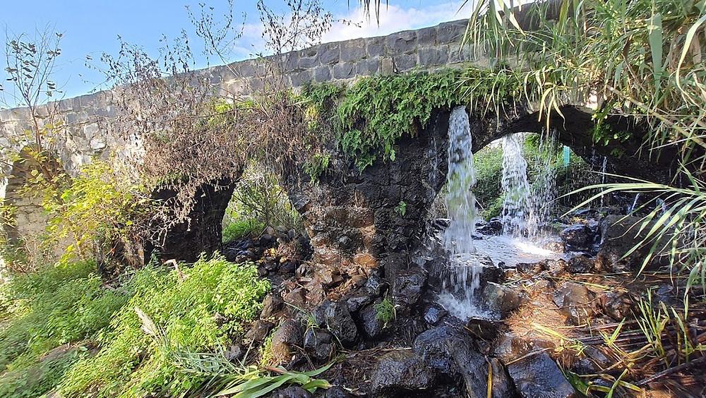 אמת מים בטחנת הקמח עין דרדרה ברמת הגולן