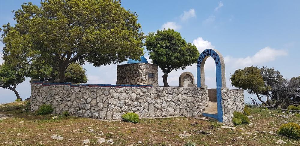 קבר יהודה בן תימא בפסגת הר אביתר בגליל
