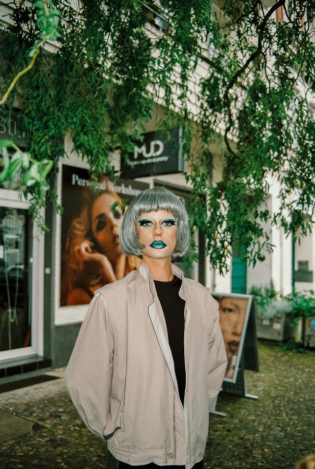 PEOPLE IN BERLIN - ANALOG