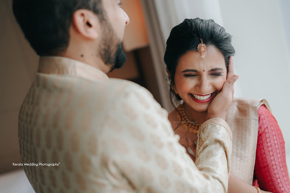 kerala-bride and groom-smile-from-best-w