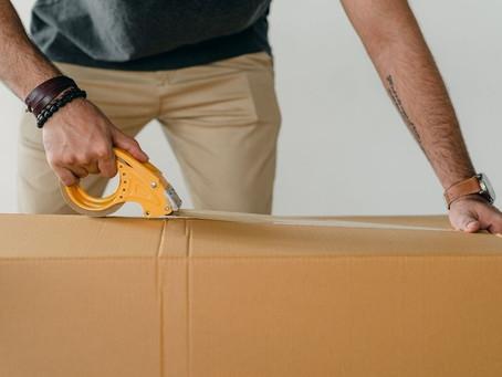 Qual o papel das fitas adesivas personalizadas?