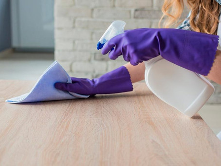 Cuidados ao limpar móveis delicados