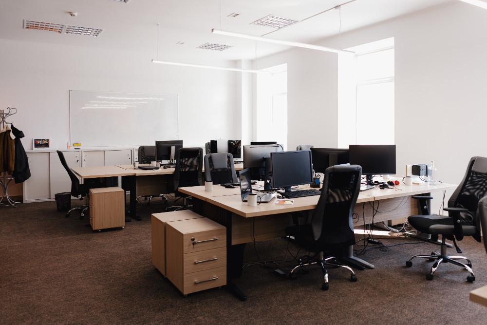 Por que investir em móveis planejados para a minha empresa