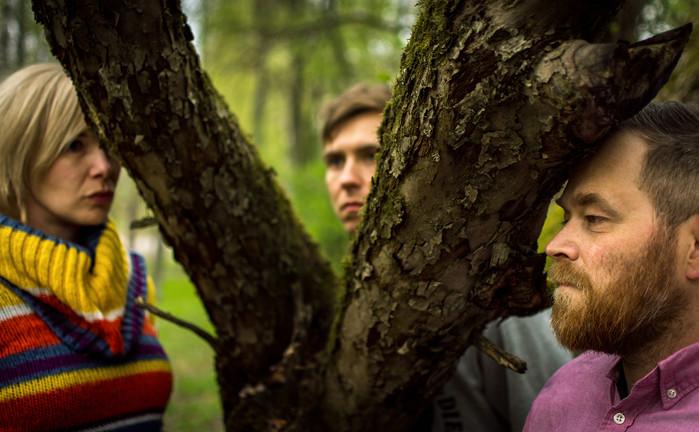 Sata syytä istua puussa