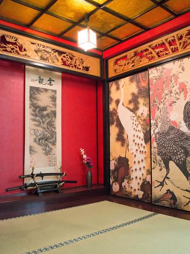 ブース_和室_03_クジャクと鶏.jpg