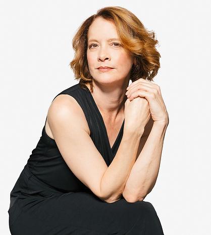 Renata Hinrichs Headshot