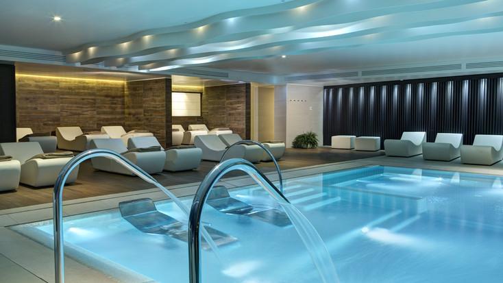 Almablu hot tub area