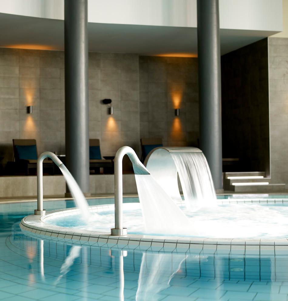 Palacio Estoril Banyan Hydrotherapy Pool