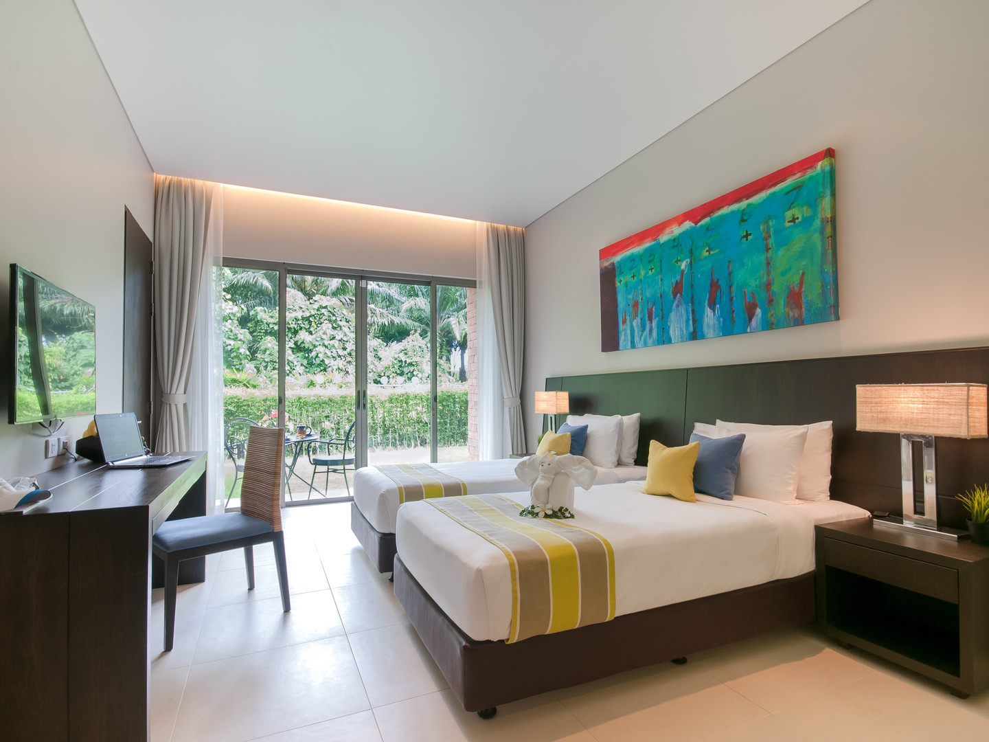 Deluxe Room - Pool Wing