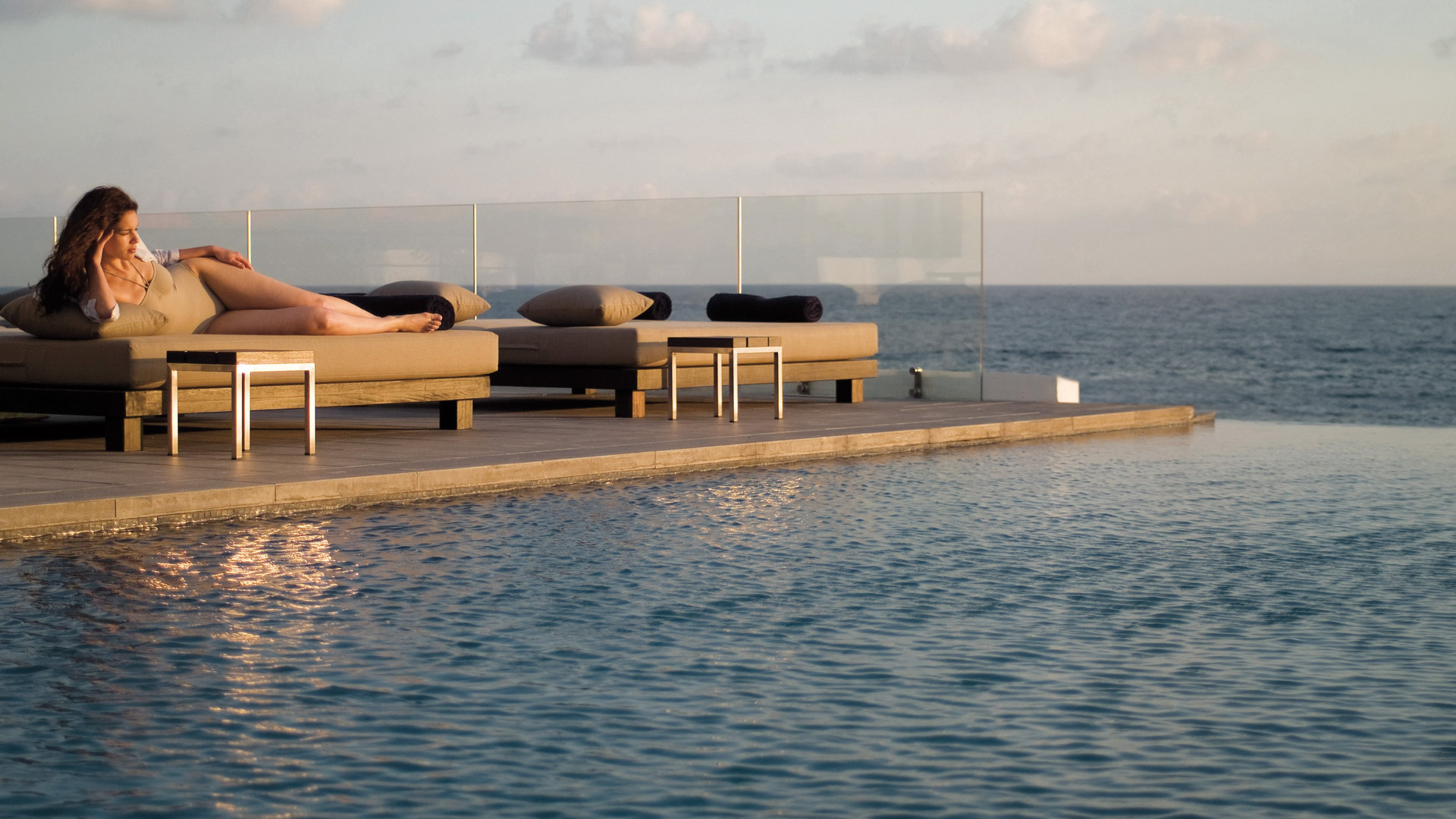 Almyra SPA Infinity Pool