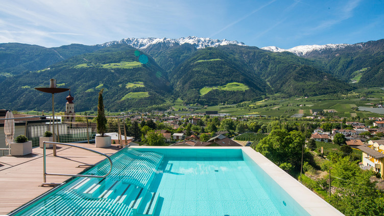 Dolce Vita Hotel Preidlhof Infinity Pool